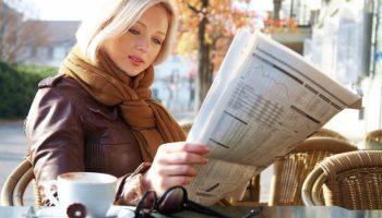 ۲۰۱۵۰۷۱۶۱۶۴۶۰۸-woman-reading-newspaper-article-press