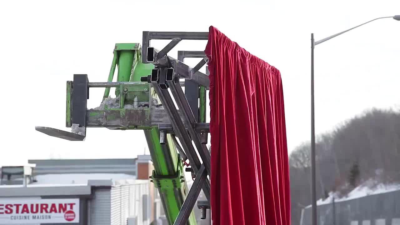 quebec-city-magic-festival-behind-the-curtain-600-38717