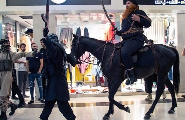 داعش در پاساژ کوروش ، تبلیغات به وقت شام آره یا نه (۱)