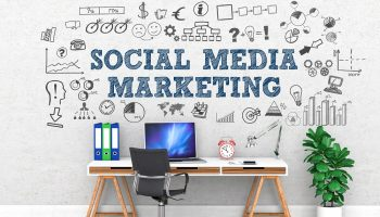 Social Media Marketing / Office / Wall / Symbol