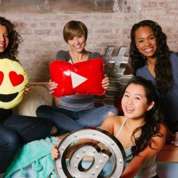 ۱۶۰۵۰۴۱۲۱۷۵۱-girls-who-code-teens-780×439