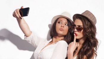 ۶۶۳×۴۴۲-banyak-remaja-kecanduan-selfie-bahayakah-1510116