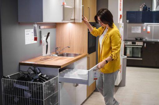 با ظروف برند آیکیا ( IKEA ) آشپزخانه در آتش میسوزد   آیمارکتور